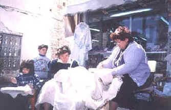 more lacemaking in the sunshine at Lefkara in Cyprus.jpg (26888 bytes)