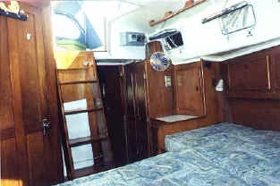 Whitby_42_ocean_cruiser_for_sale_double_berth.JPG (16024 bytes)